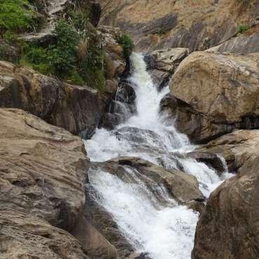 Une des nombreuses chute d'eau