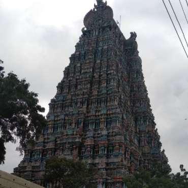 Une des 4 tours du temple